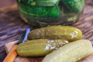 Pickles_Mount_200x300